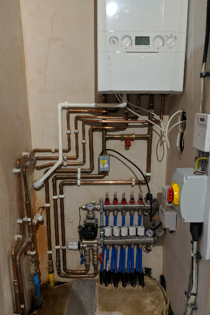 Combination boiler connected to underfloor heating